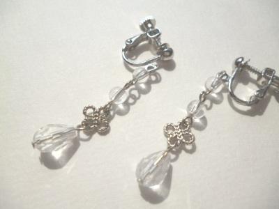 水晶・カットガラス・メタルビーズのイヤリング