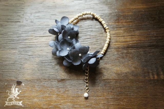 bracelet  【 wood & flower * 布花紫陽花とウッドビーズのブレスレット * blue  】