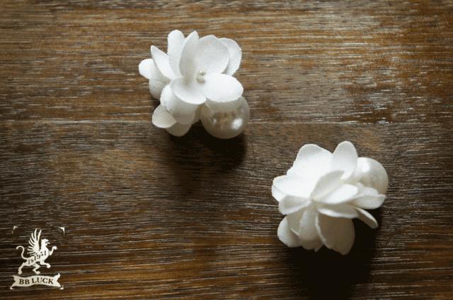 pierce 【 ちいさな紫陽花のパールキャッチピアス * white  】