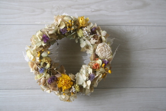 naturalyellow wreath dryflower