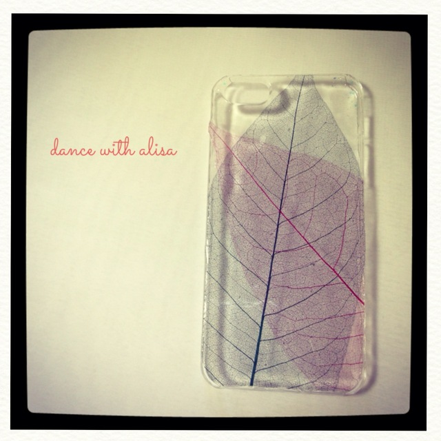 iPhone ケース 重なり合う葉脈