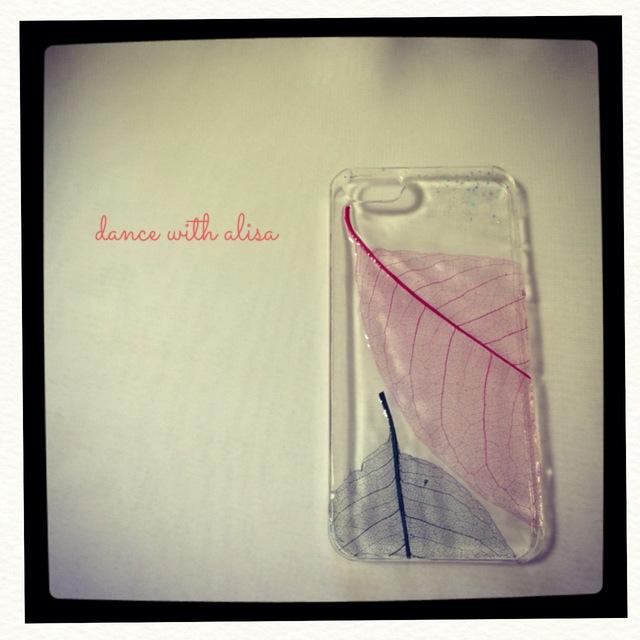 iPhone ケース 寄り添う葉脈