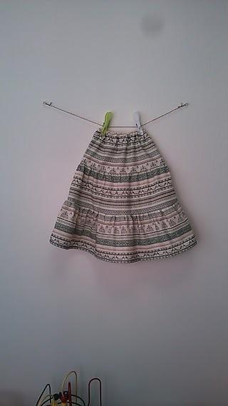 サイズ100* 東欧**鳥さんのギャザースカート