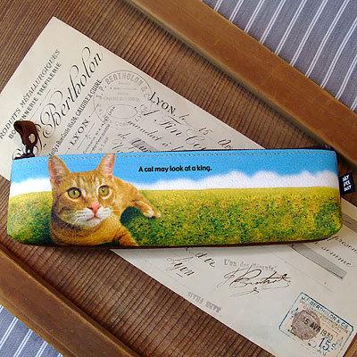 革の動物プリントペンケース・猫(草原)