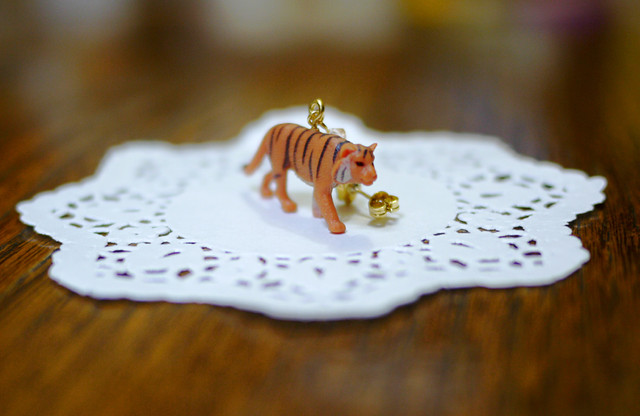 (Sold out)animal片耳ピアス【Tiger】