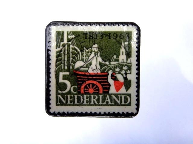 オランダ 切手ブローチ992