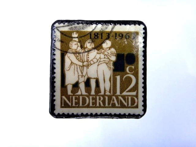 オランダ 切手ブローチ993