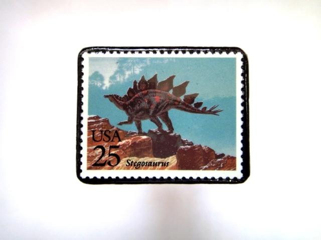 アメリカ 恐竜切手ブローチ 004