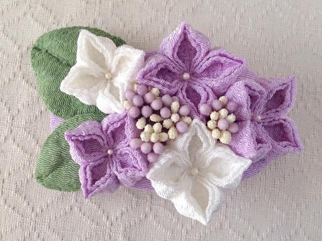 〈つまみ細工〉紫陽花のバレッタ(藤色と白)