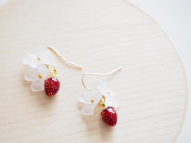 flower and strawberry ピアス