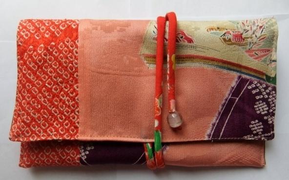 錦紗縮緬の長襦袢と絞りの羽織で作った和風財布 403