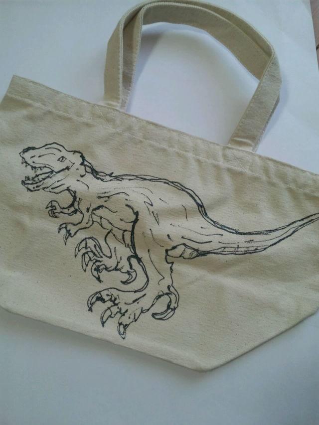 送料無料 恐竜バッグ ティラノサウルス×ステゴサウルス
