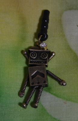 イヤホンジャックピアス ロボット