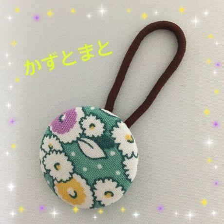 23-10 【送料込】くるみボタンのヘアゴム(花)【送料込】