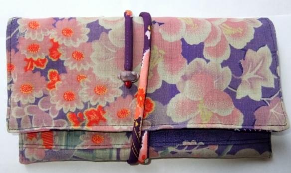 着物リメイク 花柄の長襦袢で作った和風財布 412