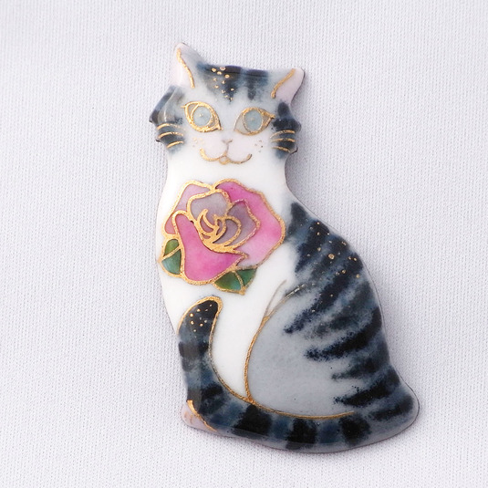 七宝焼ブローチ サバトラ猫とバラの花