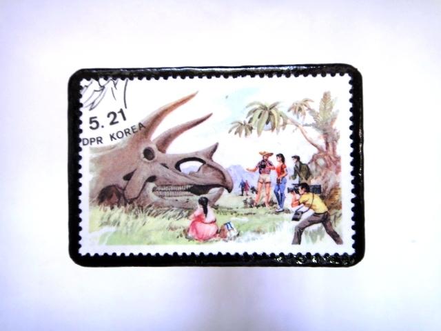 韓国 恐竜切手ブローチ 015