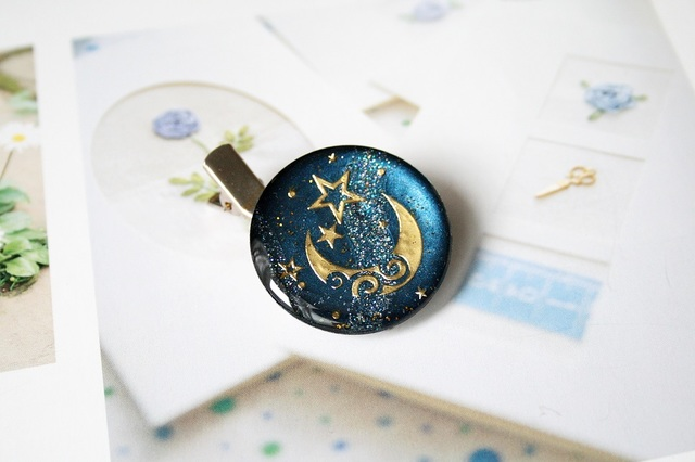 夜空のキラキラ星ピンブローチ