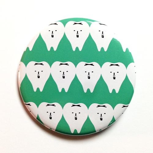 さわやかな歯の缶バッチ(グリーン)