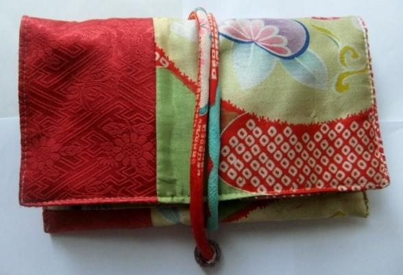絞りの羽織と花柄の着物で作った和風財布431