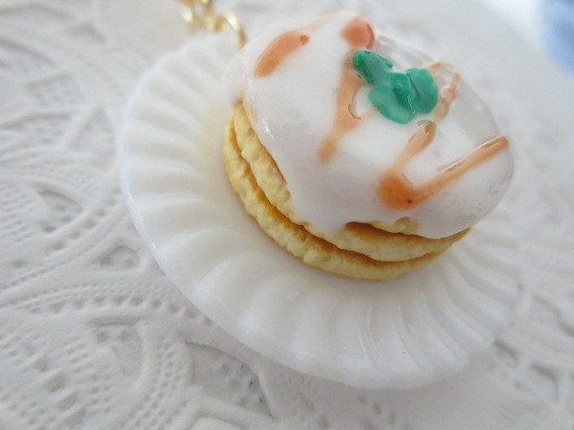 ☆たっぷり!3段&ナッツソースパンケーキキーホルダー☆