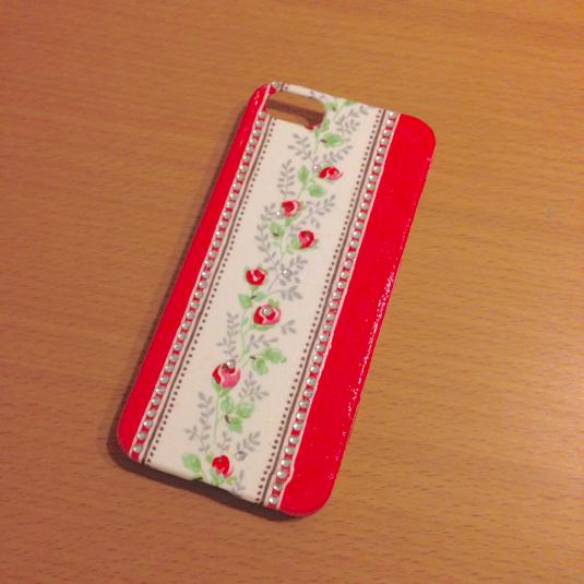 iPhone5ケース赤ライン