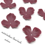 6cs)matte bordeaux flower beads