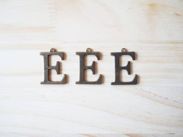 Alphabet E, Vintage Charm, ����ե��٥å�