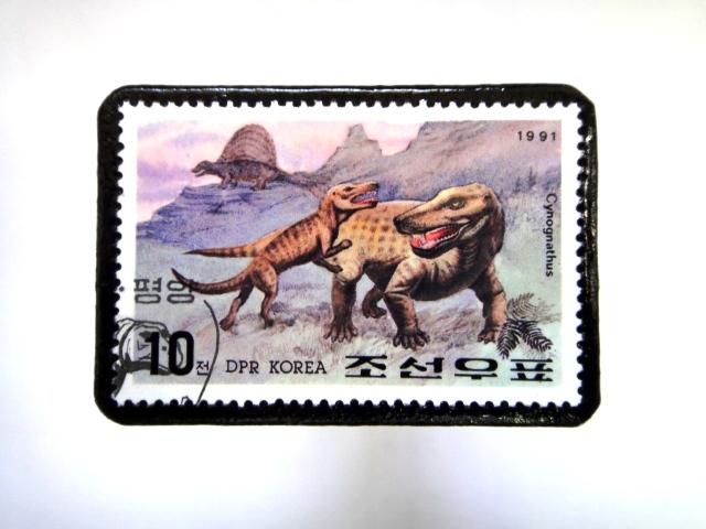 韓国 恐竜切手ブローチ 020