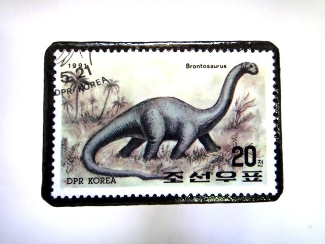 韓国 恐竜切手ブローチ 022