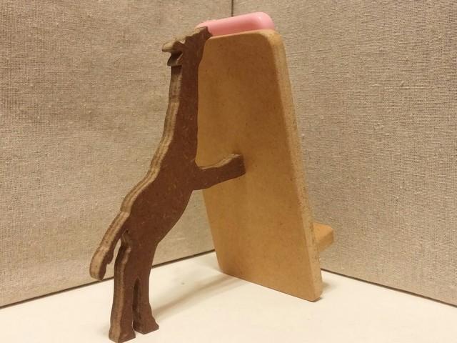 キリンが支える携帯・スマホスタンド ナチュラル