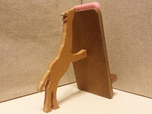 キリンが支える携帯・スマホスタンド 濃茶