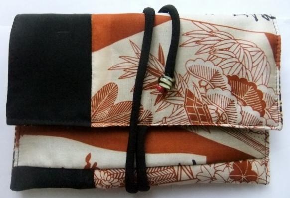 黒の羽織と長襦袢で作った和風財布 458