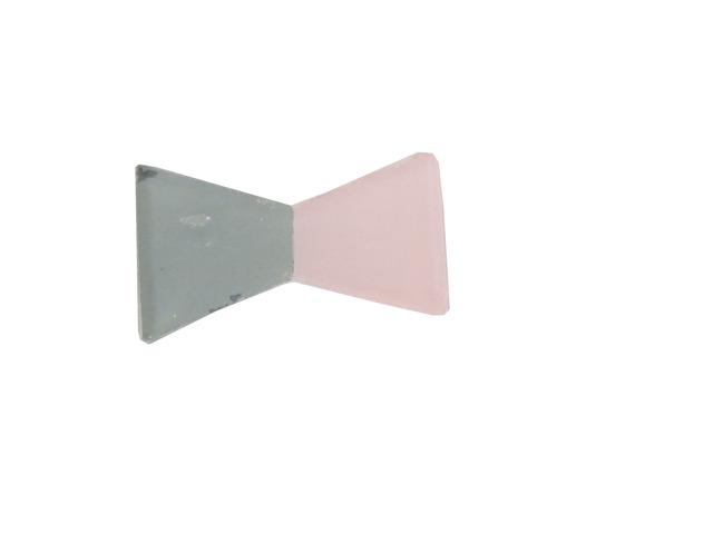 ピンクとグリーンのリボン