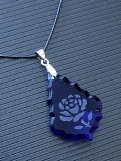 青い薔薇*スワロフスキーのペンダント