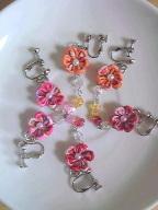 つまみ細工のお花のイヤリング