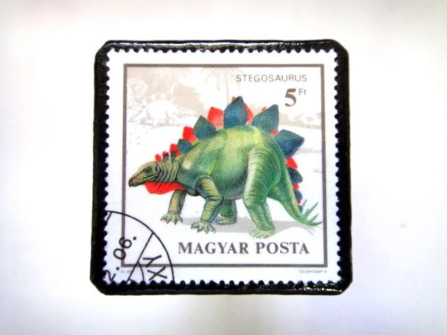 ハンガリー 恐竜切手ブローチ 028