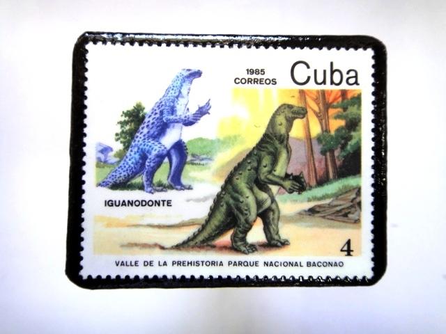 キューバ 恐竜切手ブローチ 031