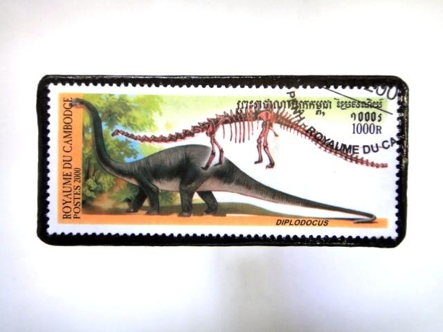 カンボジア 恐竜切手ブローチ 035