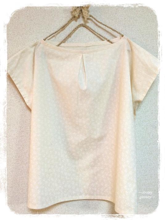 小花模様のシンプルブラウス/ホワイト