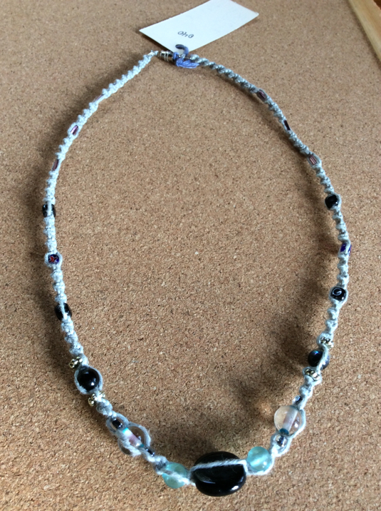 ヘンプネックレス040 ペイルブルーx ブラック