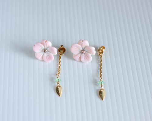 【さくら、咲く】 クイーンコンクシェルの桜2Wayピアス/p535