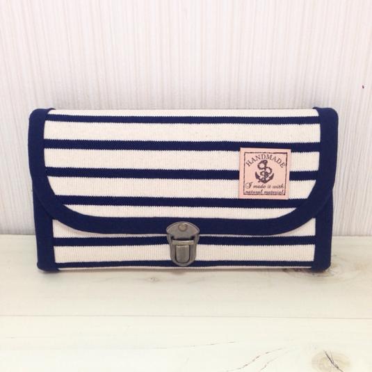 ニットボーダーの長財布(オフホワイト・コインパース2つ)