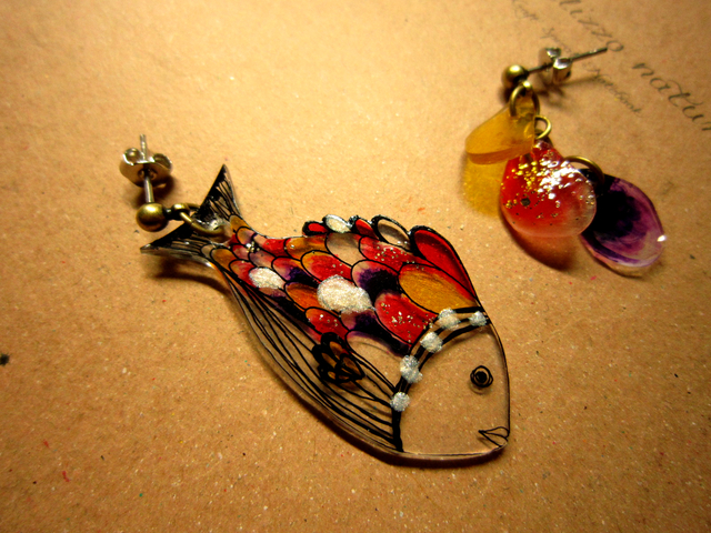 小魚と鱗のピアス