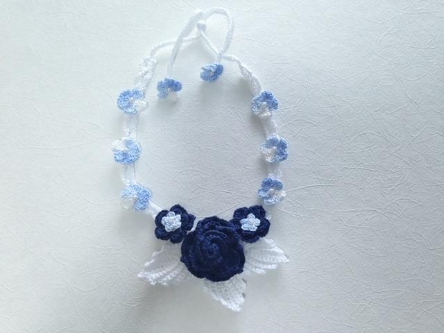 ♪バラと小花のネックレス レース編みで♪