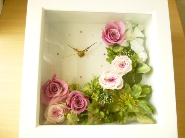 ピンクのバラの花時計