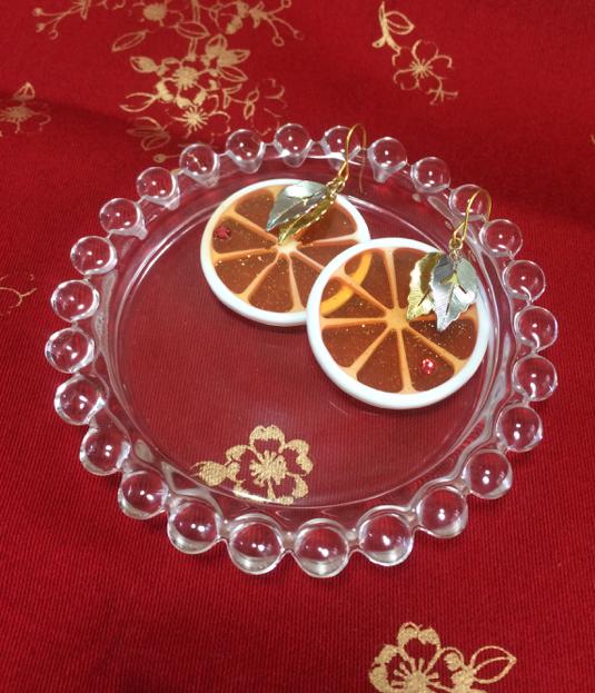 オレンジピアス