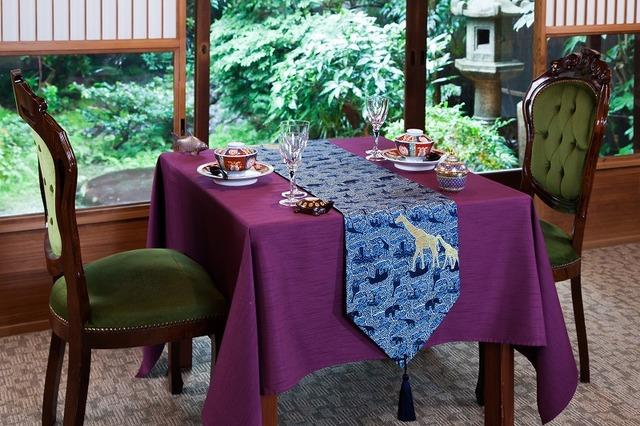 西陣金襴正絹 アフリカ紋様テーブルランナー 紺地