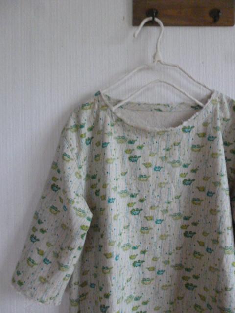 北欧調綿麻の肩落ちワンピ切花