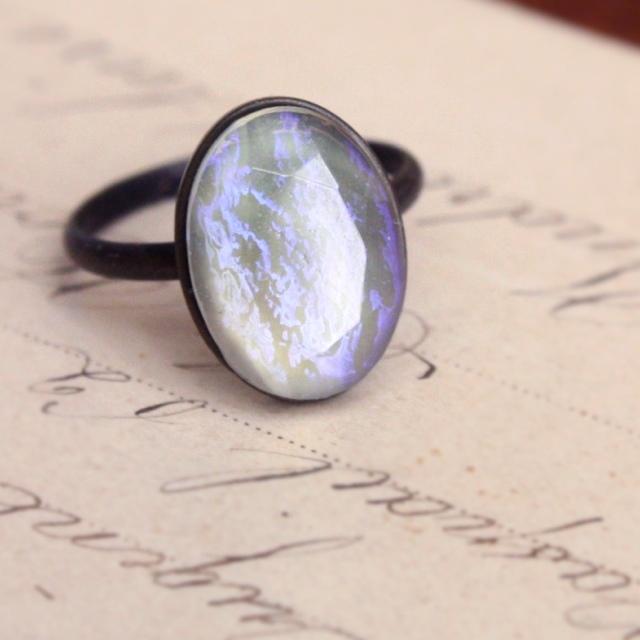 月光のかけらのようなチェコガラスのリング14